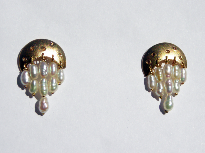 dripping-rice-pearl-earrings