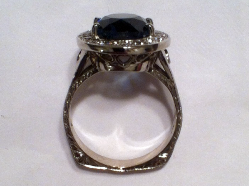 sapphire-diamonds-ring-front